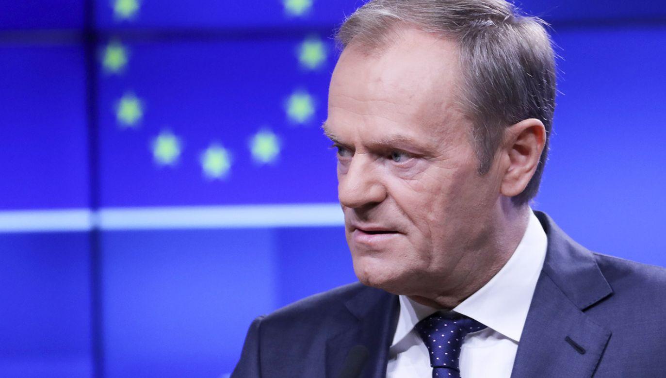 Publicysta Maciej Kożuszek o Donaldzie Tusku w kontekście nowych taśm z Sowy i Przyjaciół (fot. PAP/EPA/OLIVIER HOSLET)