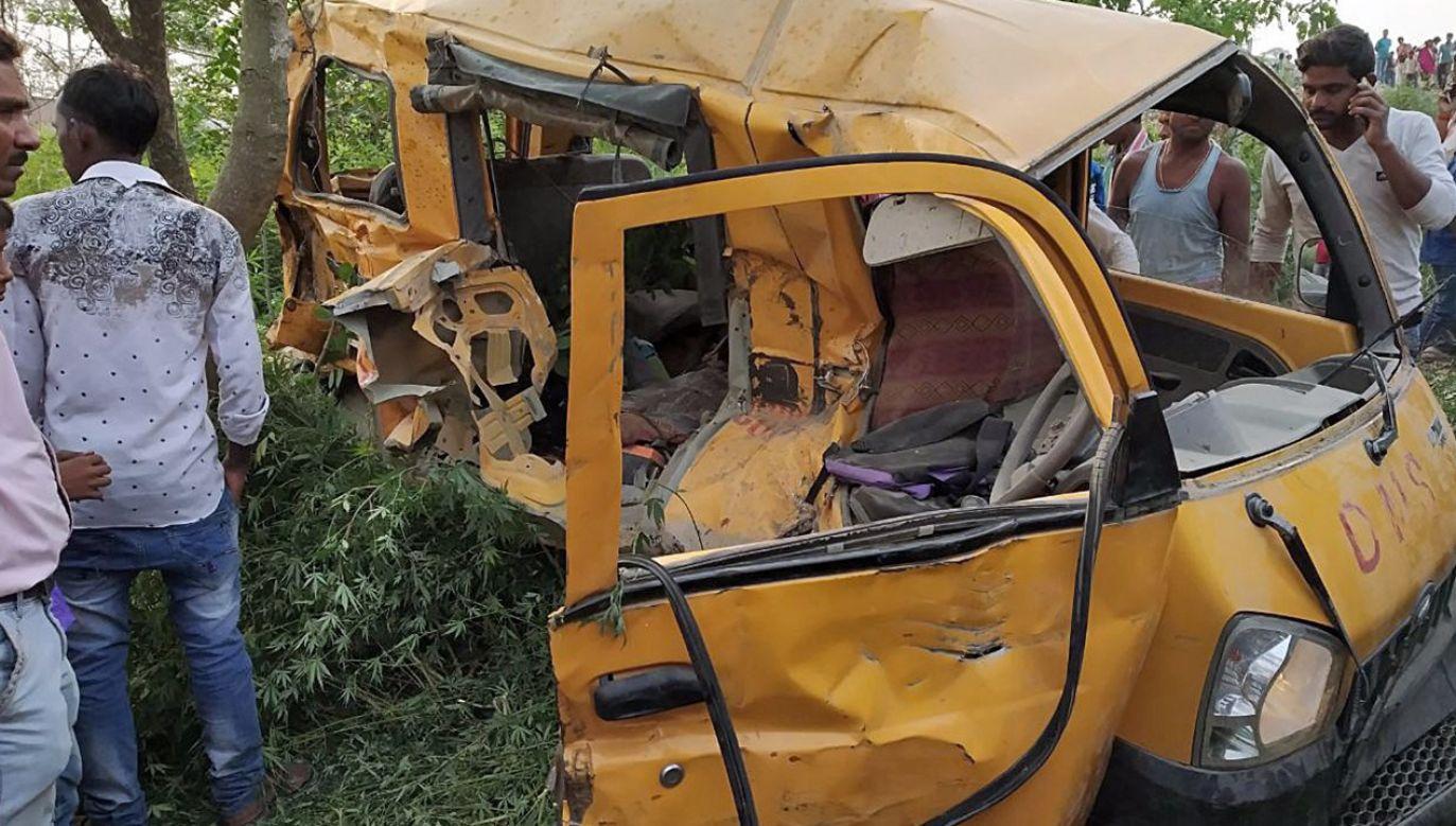 Do wypadku doszło rano, gdy dzieci w wieku od ośmiu do 10 lat jechały do szkoły (fot. PAP/EPA/STR)