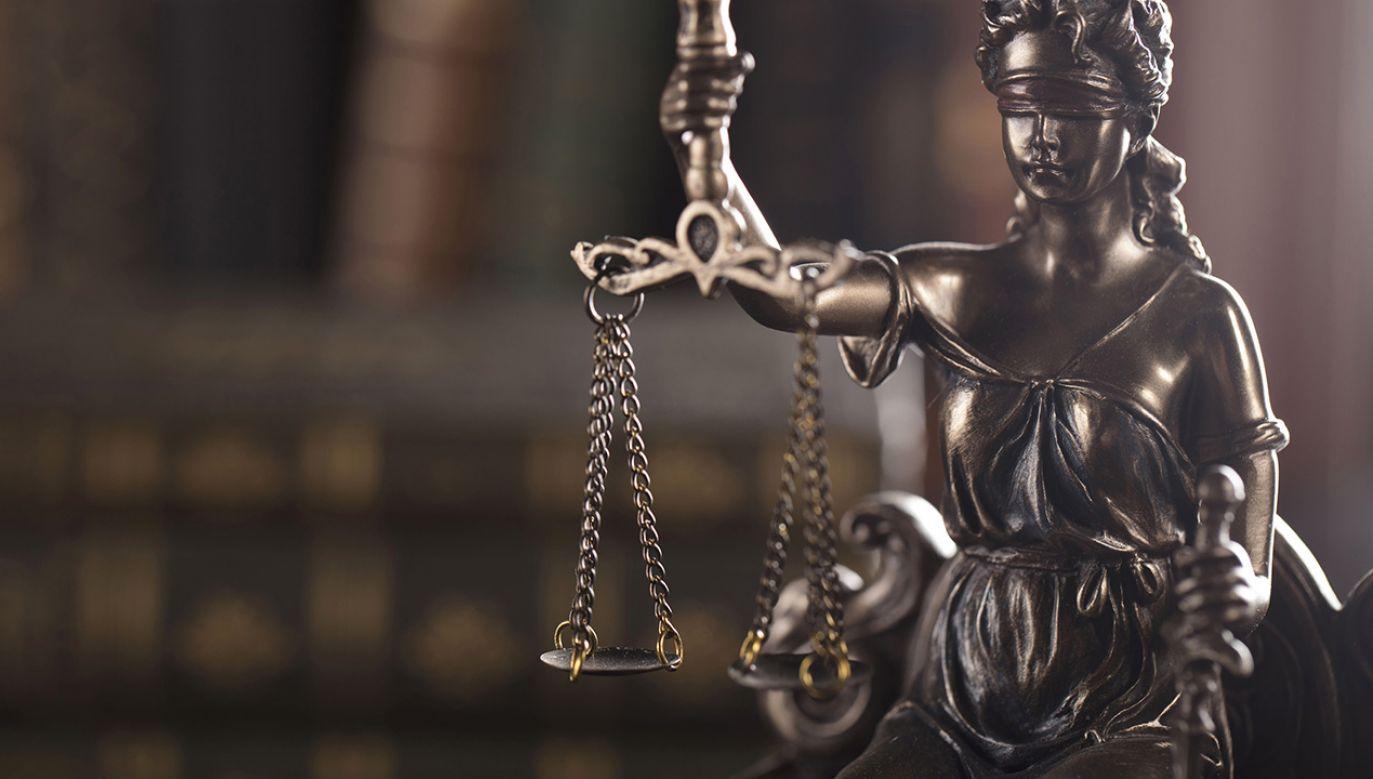 Według sądu zachowanie sędziego uchybiło godności sprawowanego urzędu (fot. Shutterstock)