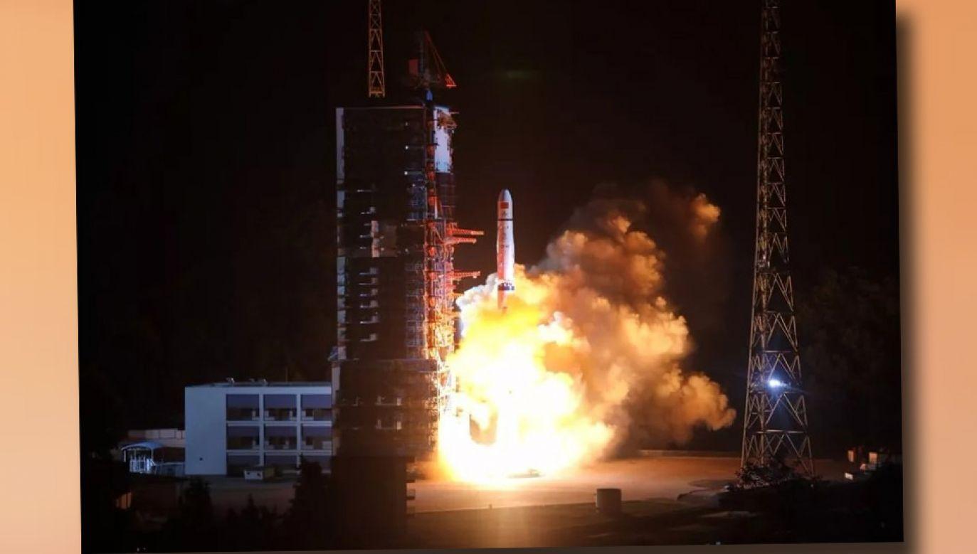 Satelita Queqiao będzie poruszał się po orbicie na wysokości 455 tys. km od Ziemi (fot. TT/AJ_FI)