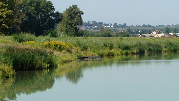 Miejsca te posiadają szczególne walory przyrodnicze i krajobrazowe, ale są mało znane wśród wypoczywających.