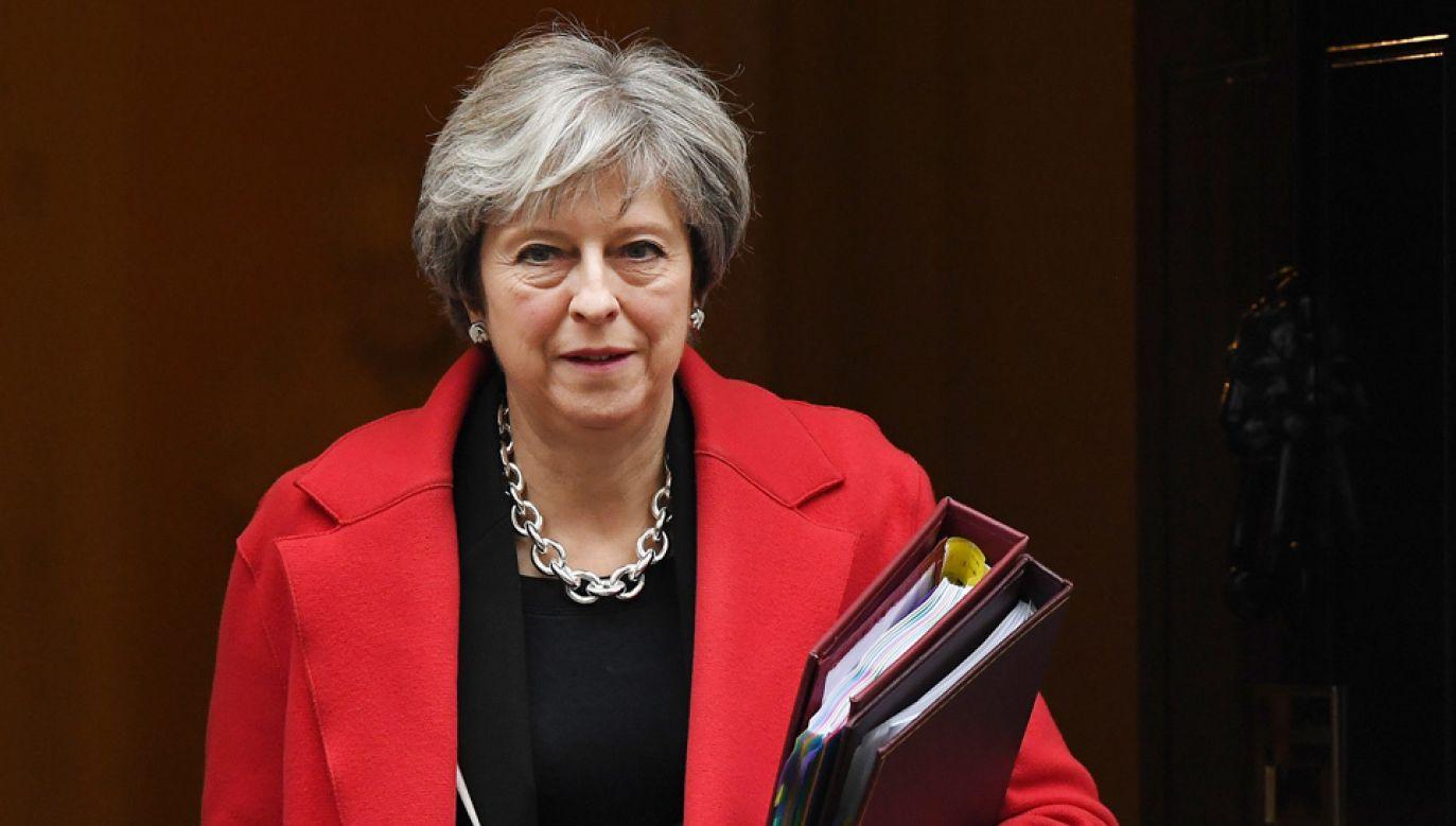 Premier Theresa May chce przegłosować datę Brexitu (fot. PAP/EPA/ANDY RAIN)
