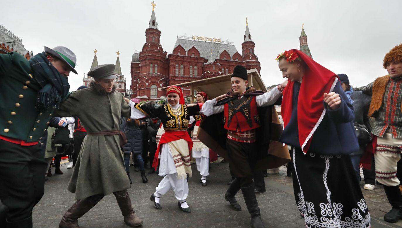 """W Moskwie odbywa się festiwal """"Krymska Wiosna"""", zorganizowany w piątą rocznicę aneksji półwyspu (fot. PAP/EPA/YURI KOCHETKOV)"""
