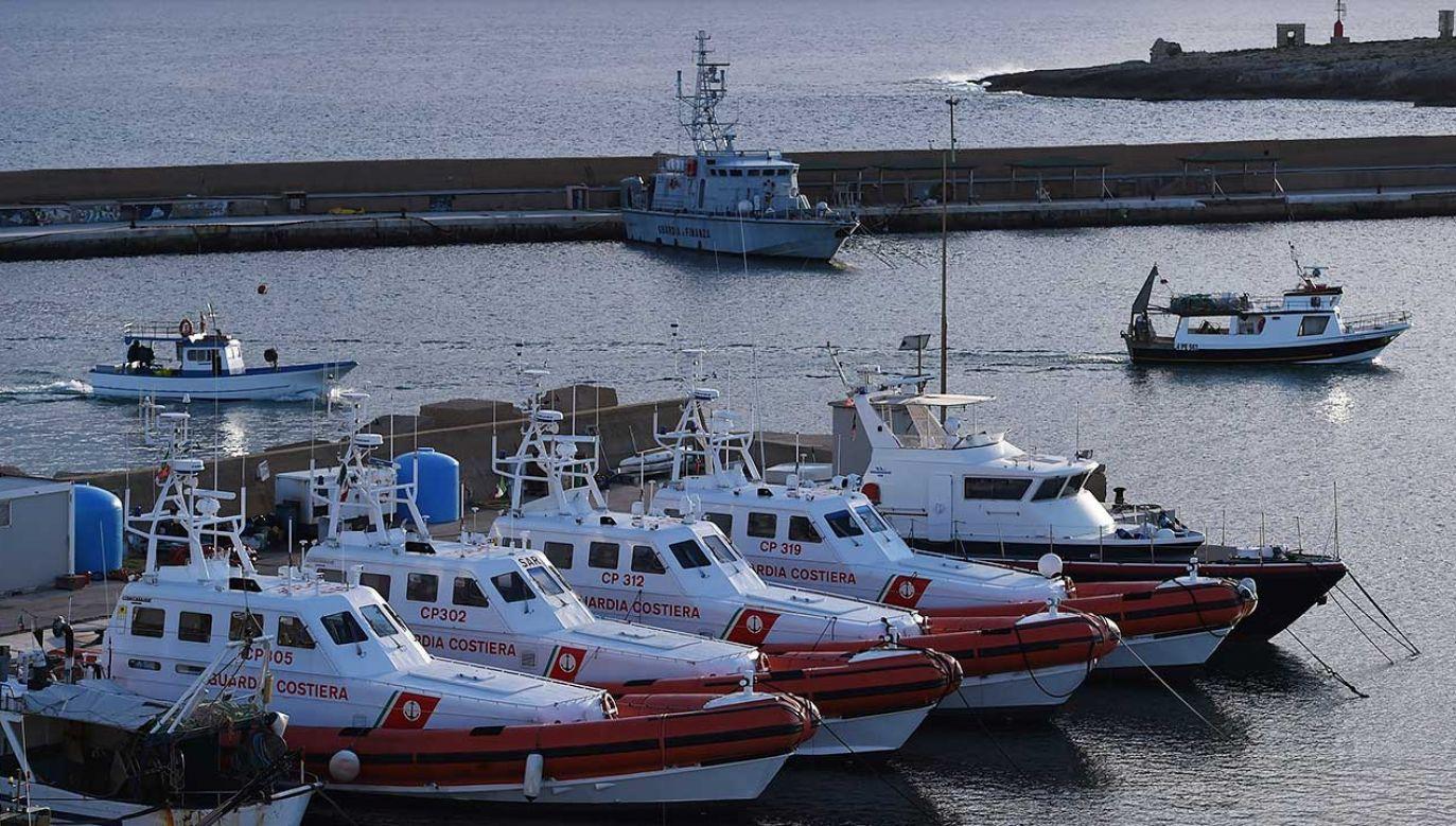 Włoskie łodzie patrolowe Straży Przybrzeżnej (fot. Tullio M. Puglia/Getty Images)