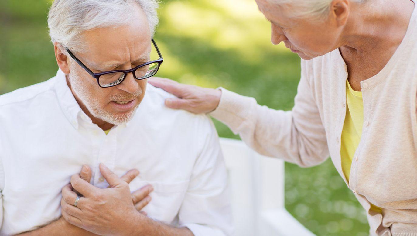 Lek, stosowany w przypadku przewlekłej niewydolności wieńcowej, został wycofany na wniosek producenta (fot. Shutterstock/Syda Productions)