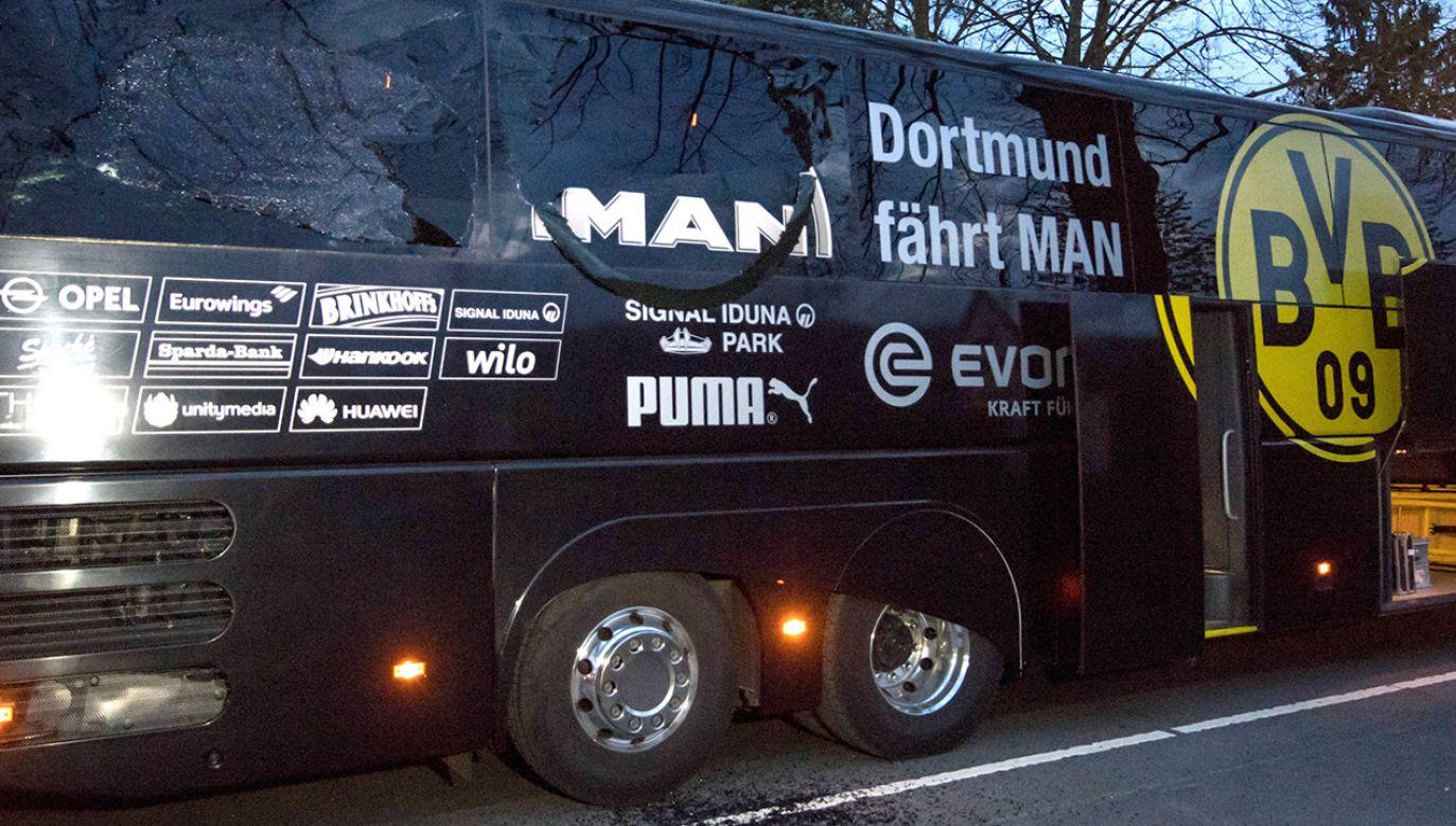11 kwietnia w pobliżu autokaru, którym zawodnicy BVB jechali na mecz Ligi Mistrzów z AS Monaco, eksplodowały trzy ładunki wybuchowe (fot. PAP/Bernd Thissen/dpa)