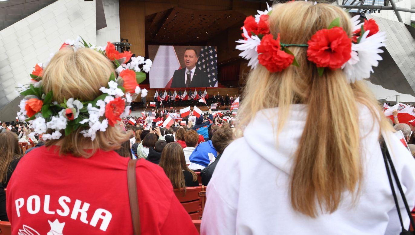 Wystąpienie prezydenta RP Andrzeja Dudy podczas spotkania z przedstawicielami Polonii (fot. PAP/Radek Pietruszka)