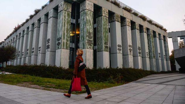 KE przekonywała, że Polska ustawa o SN narusza zasadę nieusuwalności sędziów (fot. Omar Marques/SOPA Images/LightRocket via Getty Images)