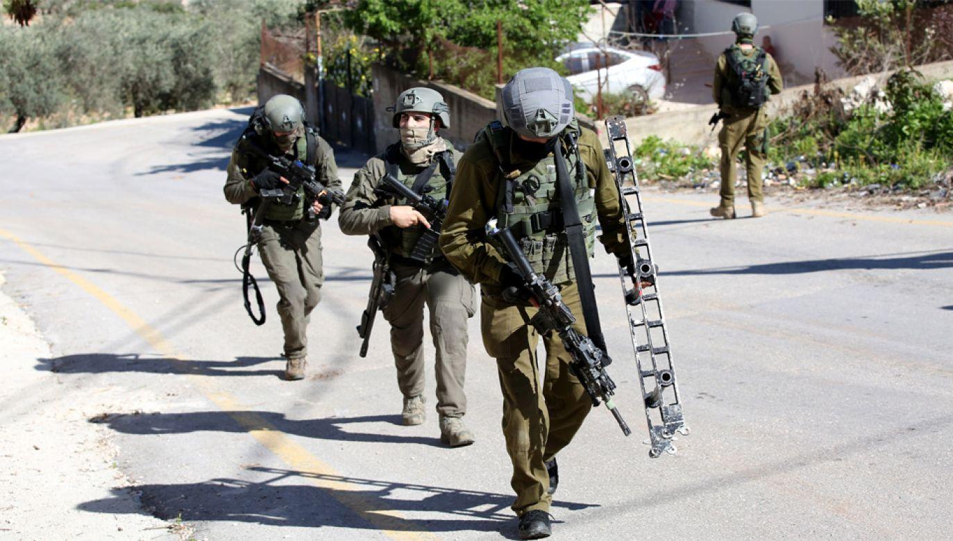 Akcję sił bezpieczeństwa przeprowadzono w wiosce Abwein na Zachodnim Brzegu (fot. PAP/EPA/ALAA BADARNEH)