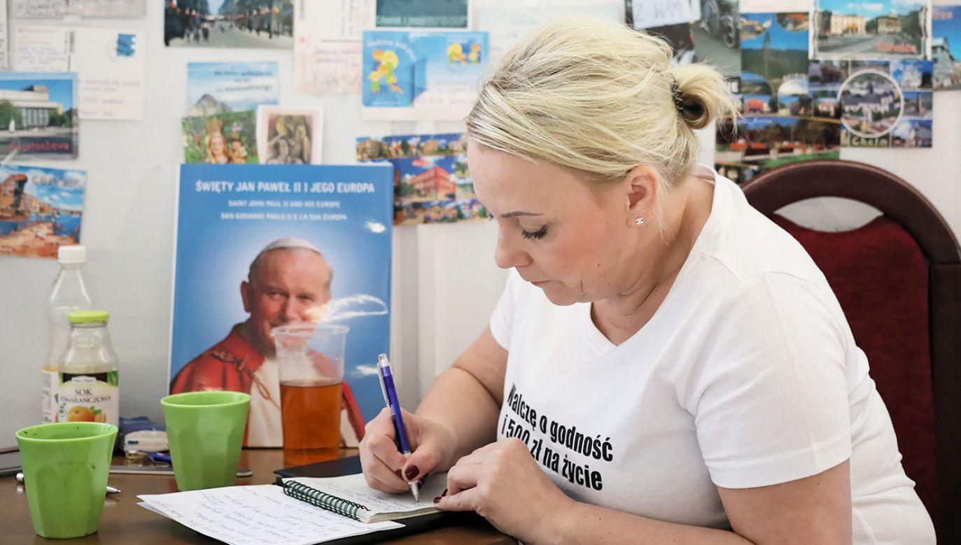 Iwona Hartwich podczas protestu w Sejmie (fot. PAP/ Leszek Szymański)