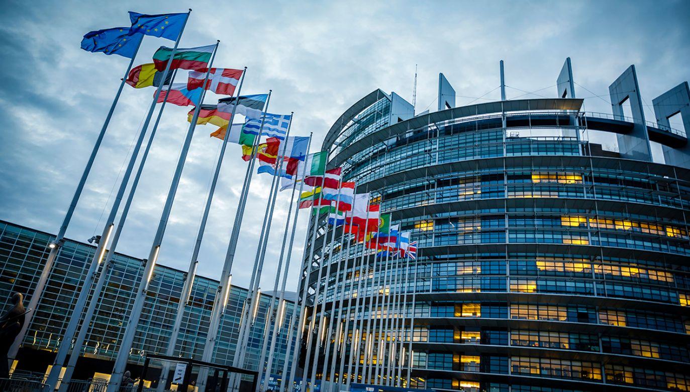 Parlament Europejski poparł kontrowersyjną dyrektywę cyfrową  (fot. Thomas Trutschel/Photothek/Getty Images)