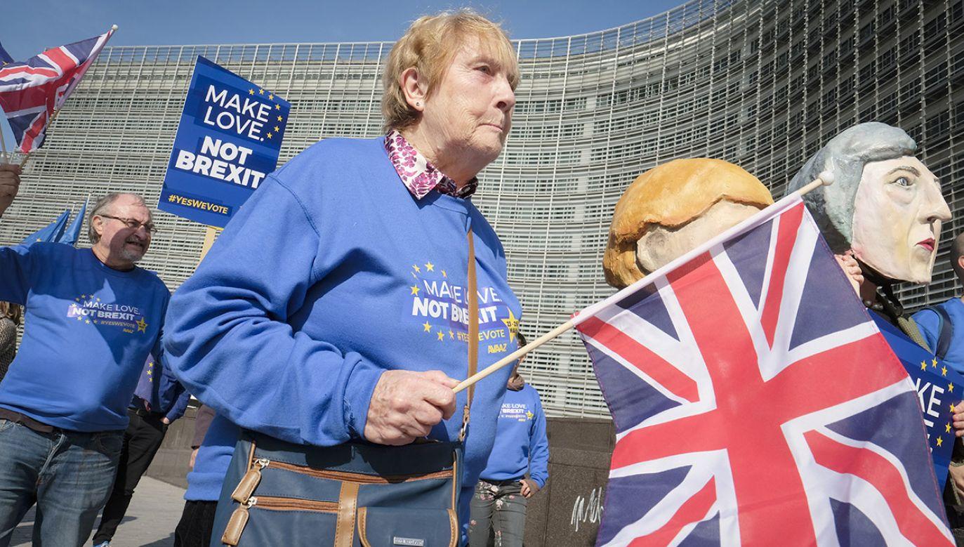 Wielka Brytania miała według wcześniejszych ustaleń opuścić UE 29 marca (fot. PAP/EPA/OLIVIER HOSLET)