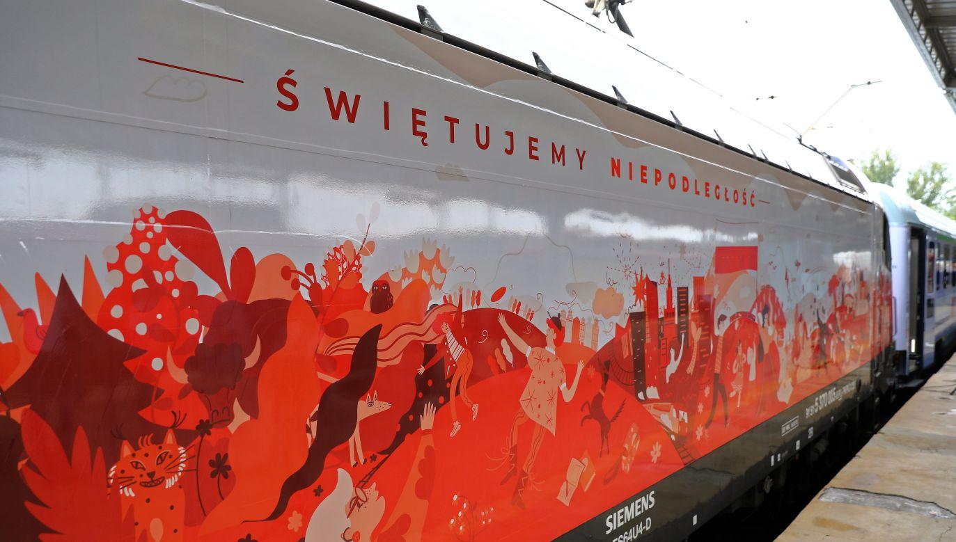A decorated locomotive of PKP Intercity. Photo: PAP/Rafał Guz