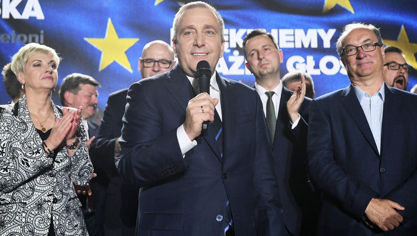 Na Koalicję Europejską oddano 518 706 głosów (fot. PAP/Radek Pietruszka)