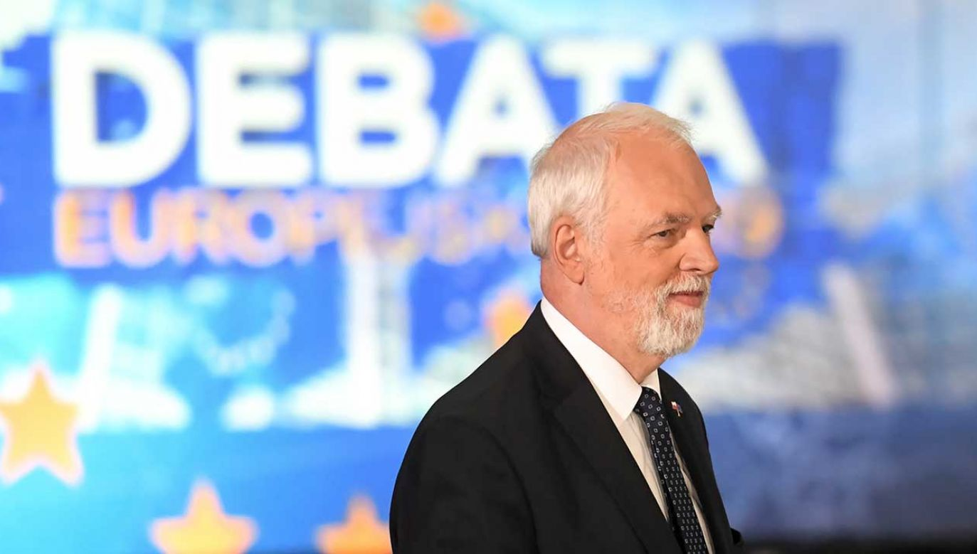 Poseł do PE z list PO Jan Olbrycht w siedzibie Telewizji Polskiej w Warszawie, gdzie odbyła się debata przedwyborcza do Parlamentu Europejskiego z udziałem przedstawicieli sześciu Komitetów Wyborczych (fot. PAP/Piotr Nowak)