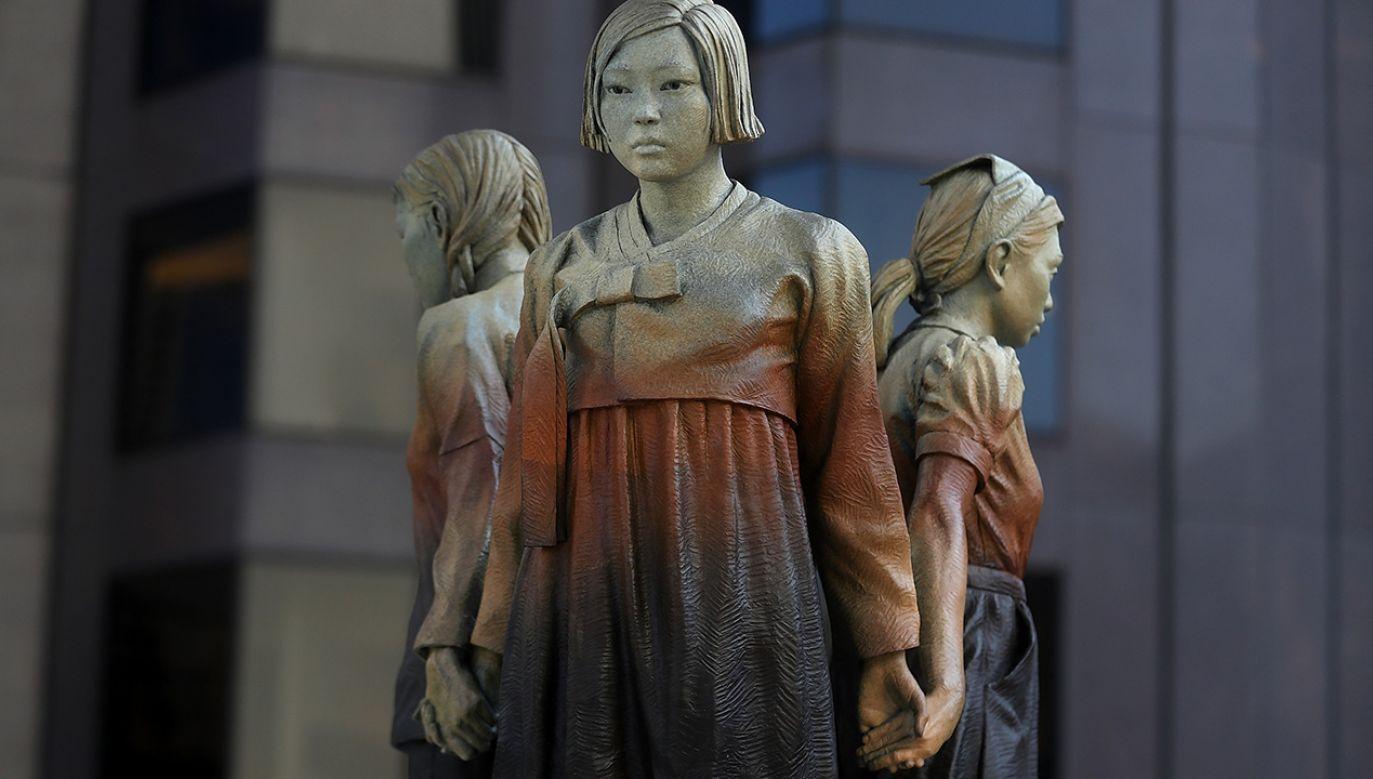 Posąg w parku w San Francisco, poświęcony pamięci japońskich niewolnic seksualnych z czasów wojny, zwany