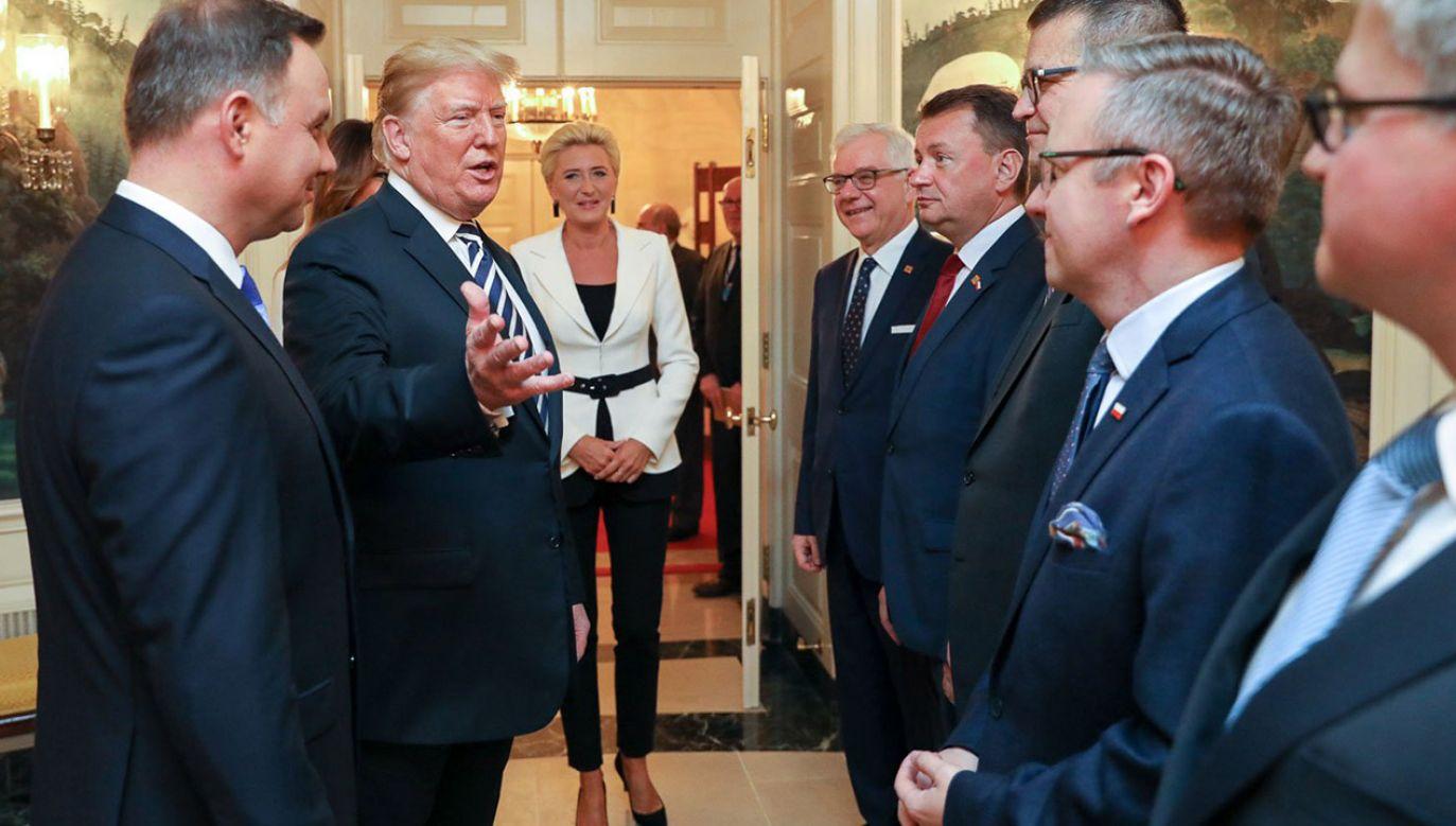 Przyznanie Dominikowi Tarczyńskiemu nagrody Eagle Award zbiegło się w czasie z wizytą prezydenta Andrzeja Dudy w Białym Domu (fot. Jakub Szymczuk/KPRP)
