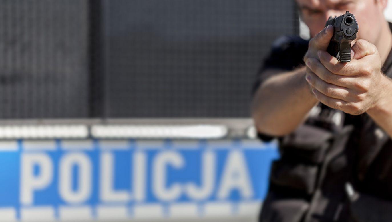 W wyniku strzelaniny zginęła jedna osoba (fot. Shutterstock/Bartosz Zakrzewski)