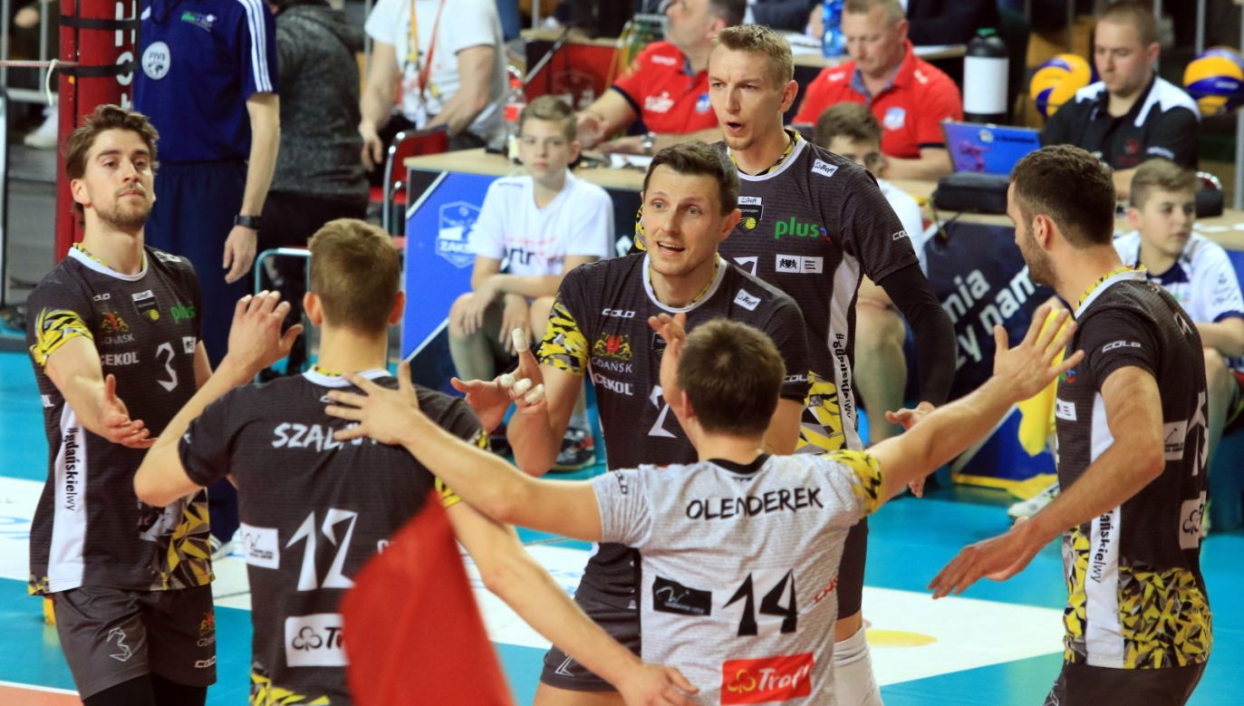 Zaksa's volleyball players celebrating the winning. Photo: PAP / Krzysztof Świderski