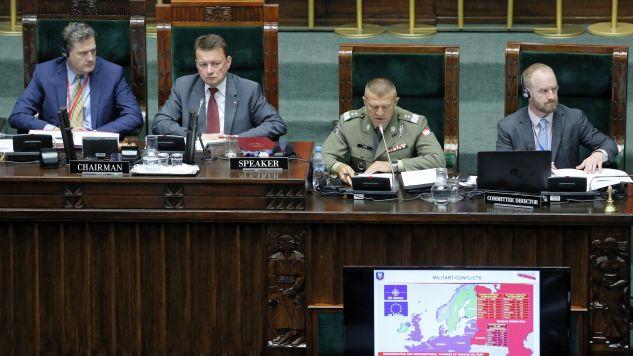 Mariusz Błaszczak na obradach Zgromadzenia Parlamentarnego NATO (fot. PAP/Adam Guz)