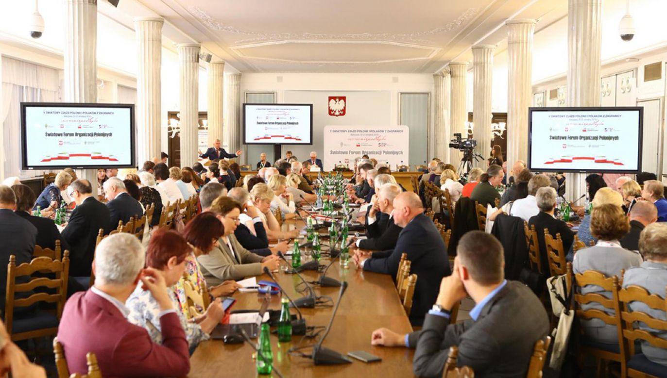 Od czwartku do soboty odbywa się V Światowy Zjazd Polonii i Polaków z Zagranicy (fot. TT/@PolskiSenat)