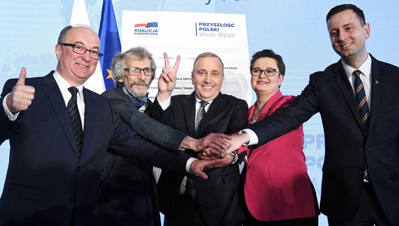 W ocenie posła Eugeniusza Kłopotka Koalicja Europejska może rozpaść się po eurowyborach  (fot. PAP/Radek Pietruszka)