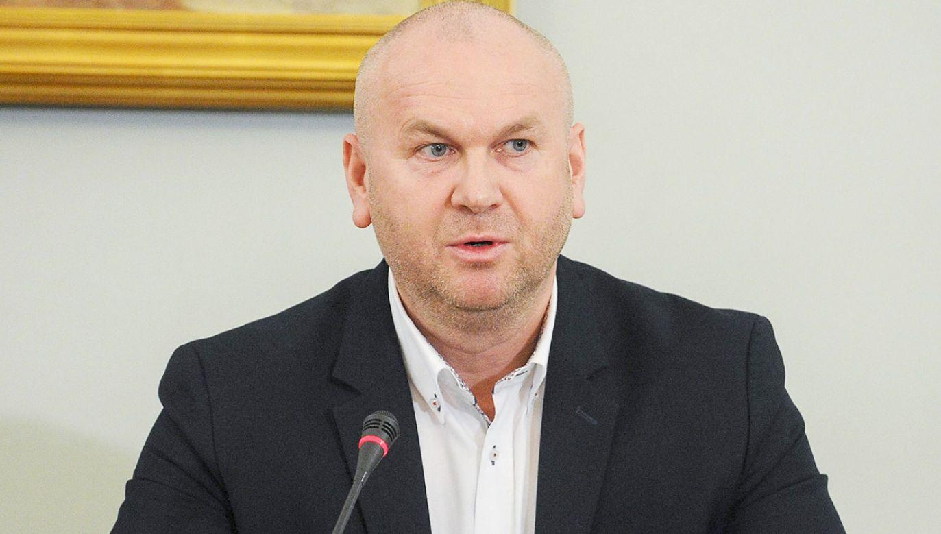 Śledczy twierdzą, że były szef CBA pomógł podległemu mu pracownikowi uniknąć odpowiedzialności  (fot. arch.PAP/Marcin Obara)