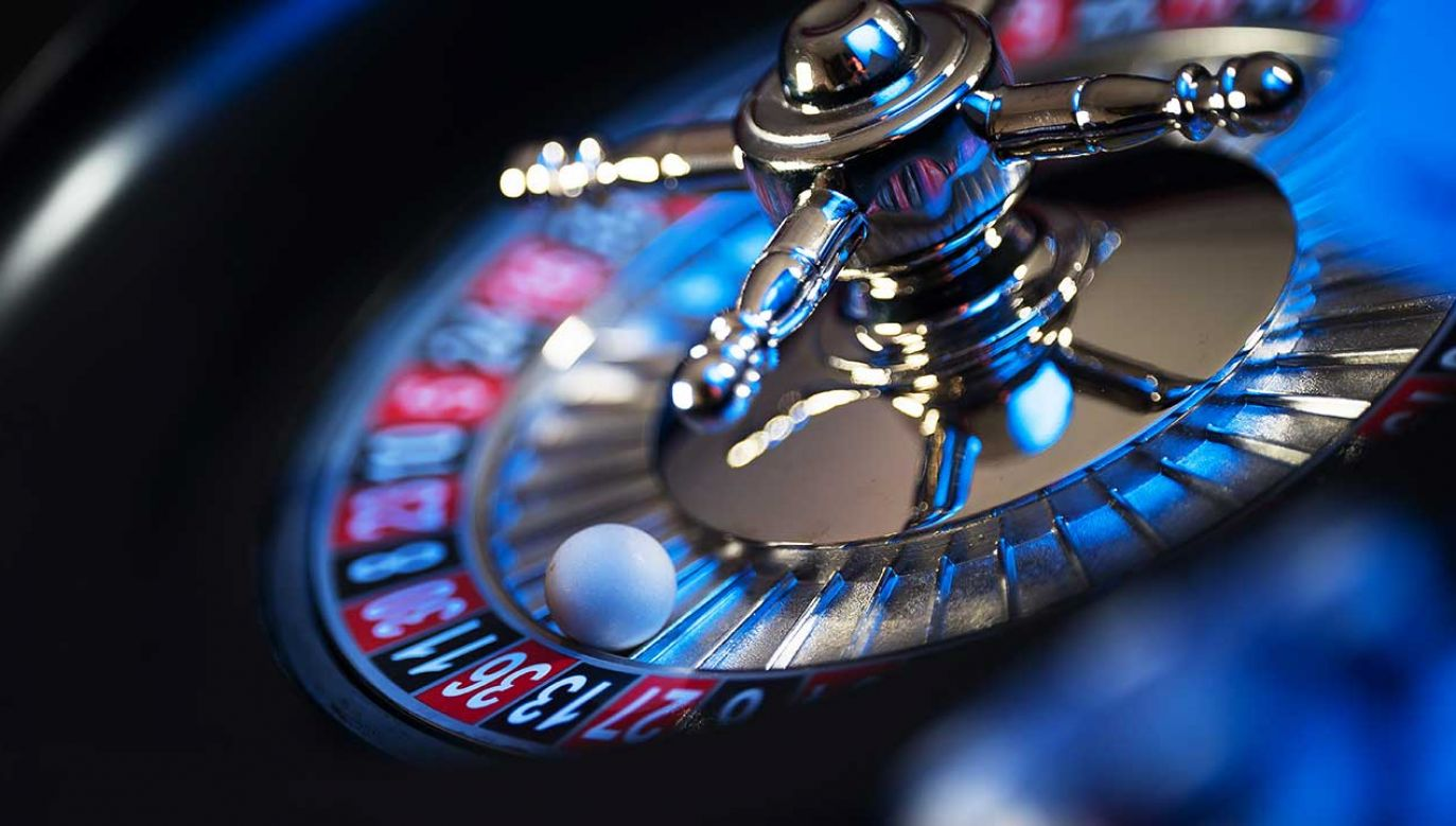 46-latka wydawała pieniądze głównie w kasynach (fot. Shutterstock/Aerial Mike)