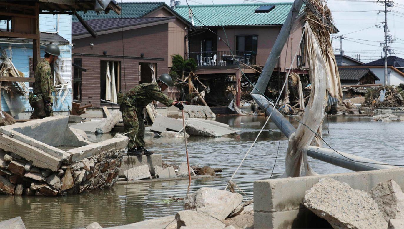 Władze wydały polecenie ewakuacji ponad 2 milionom osób (fot. PAP/EPA/JIJI PRESS)