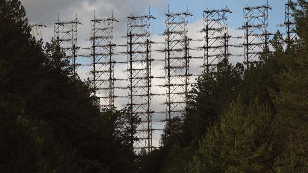 """Radar zwany """"Dugą"""" albo """"okiem Moskwy"""" jest położony  9 km od zamkniętej elektrowni w Czarnobylu (fot. Sean Gallup/Getty Images)"""