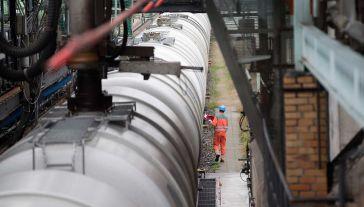 Szkody powstałe wskutek napływu z Rosji ropy o niedostatecznej jakości szacowane są na 30 mln dolarów (fot. REUTERS/Axel Schmidt)