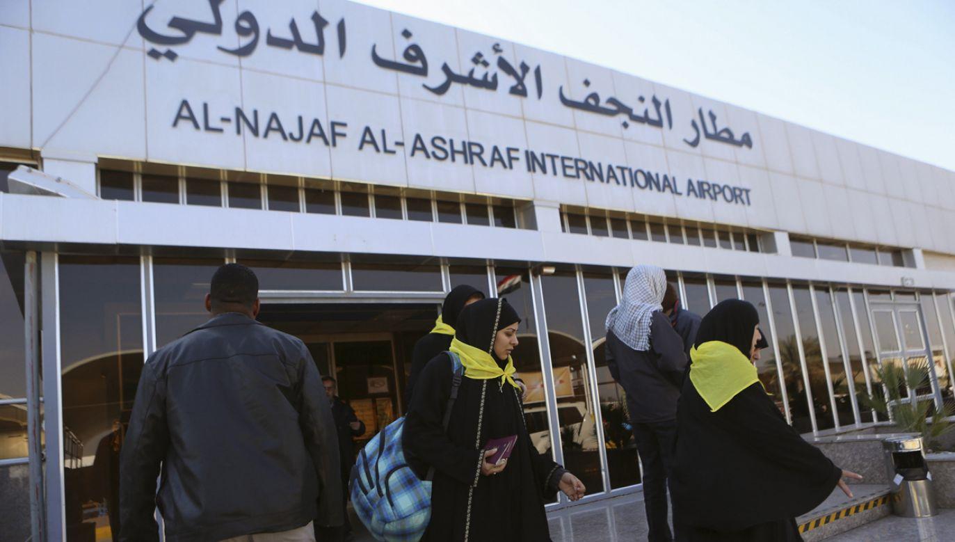 Blokada lotniska w Nadżafie odbywała się pod tymi samymi hasłami, co protesty w Basrze (fot. REUTERS/Ahmad Mousa )