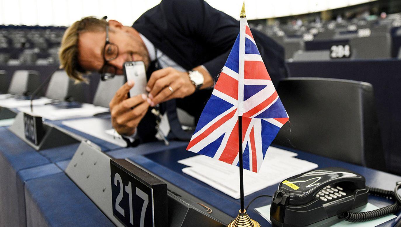 W TVP Info o brexicie (fot. PAP/EPA/PATRICK SEEGER)