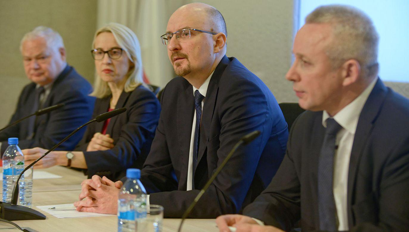 Minister finansów poinformowała, że w niedzielę odbyło się spotkanie Komitetu Stabilności Finansowej (fot. PAP/Jakub Kamińsk)