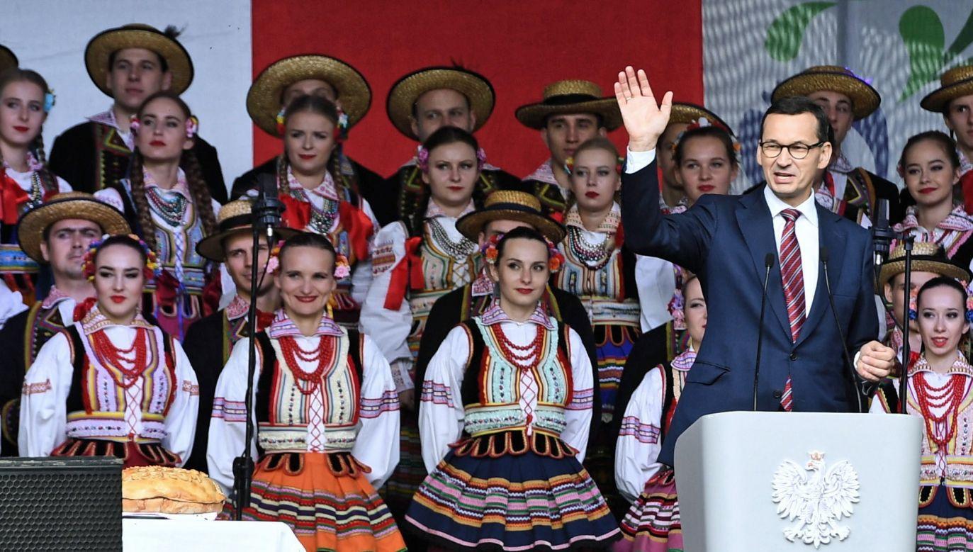 Wąwolnica, 23.09.2018. Premier Mateusz Morawiecki (P) podczas zorganizowanego po raz pierwszy ogólnopolskiego święta