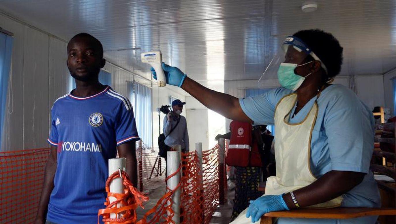Służby medyczne badają w sumie 27 osób (fot. REUTERS/Newton Nabwaya)