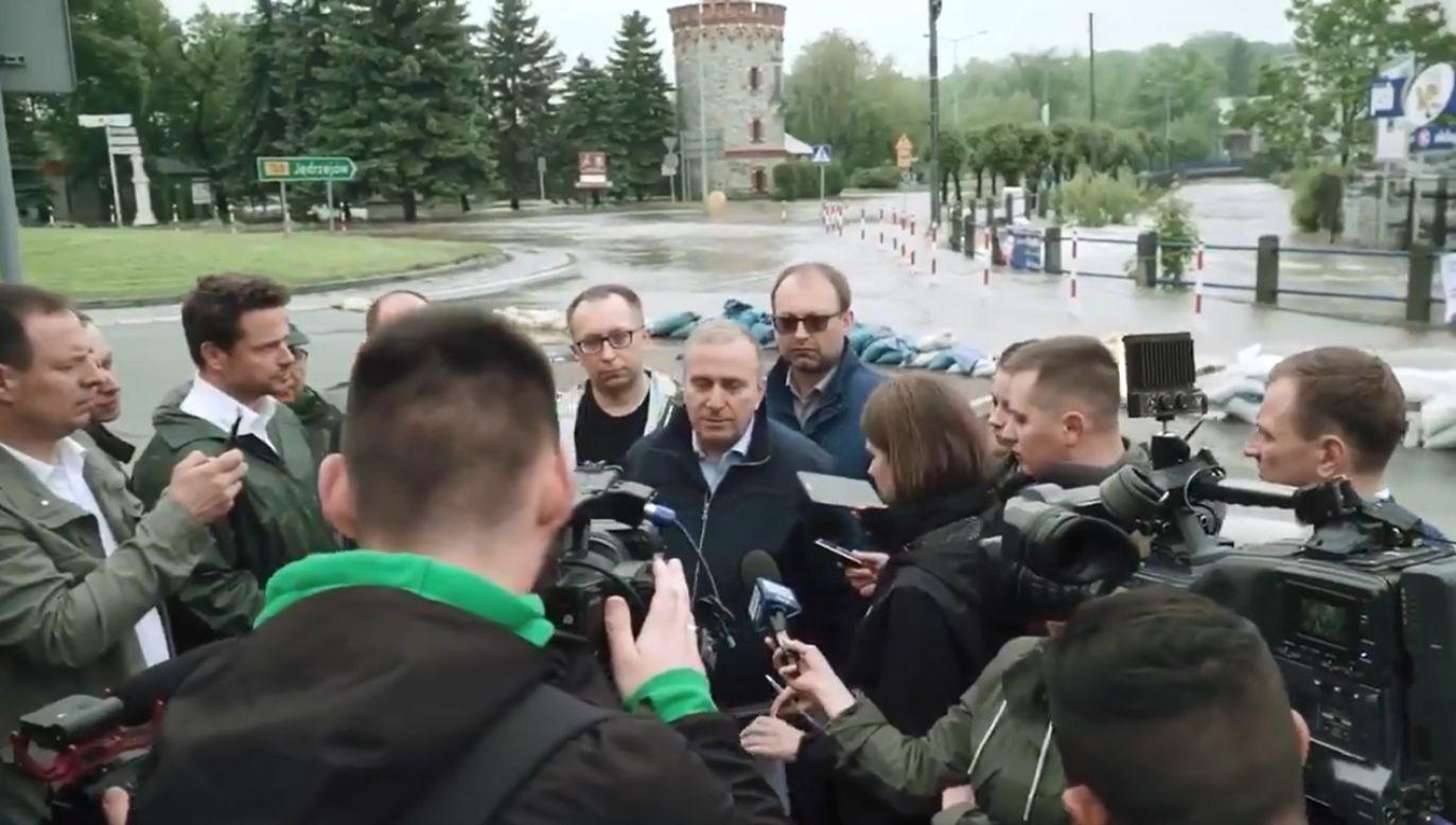 "Pod koniec materiału ukazuje się informacja: ""Materiał KKW Koalicja Europejska PO PSL SLD .N Zieloni"" (fot. TT/WaldemarKowal)"
