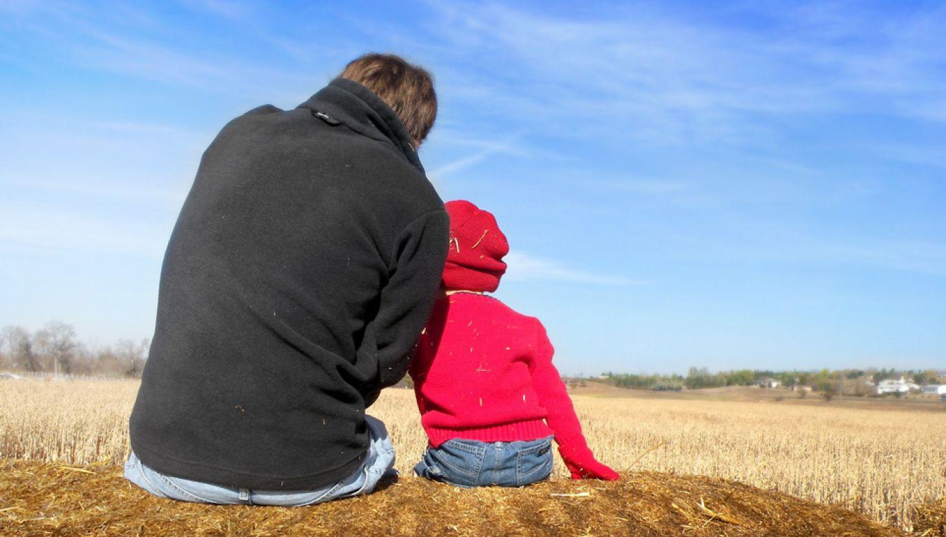 Zdaniem psychologów, rola ojca jest nie do przecenienia (fot. pixabay/faithfinder06)