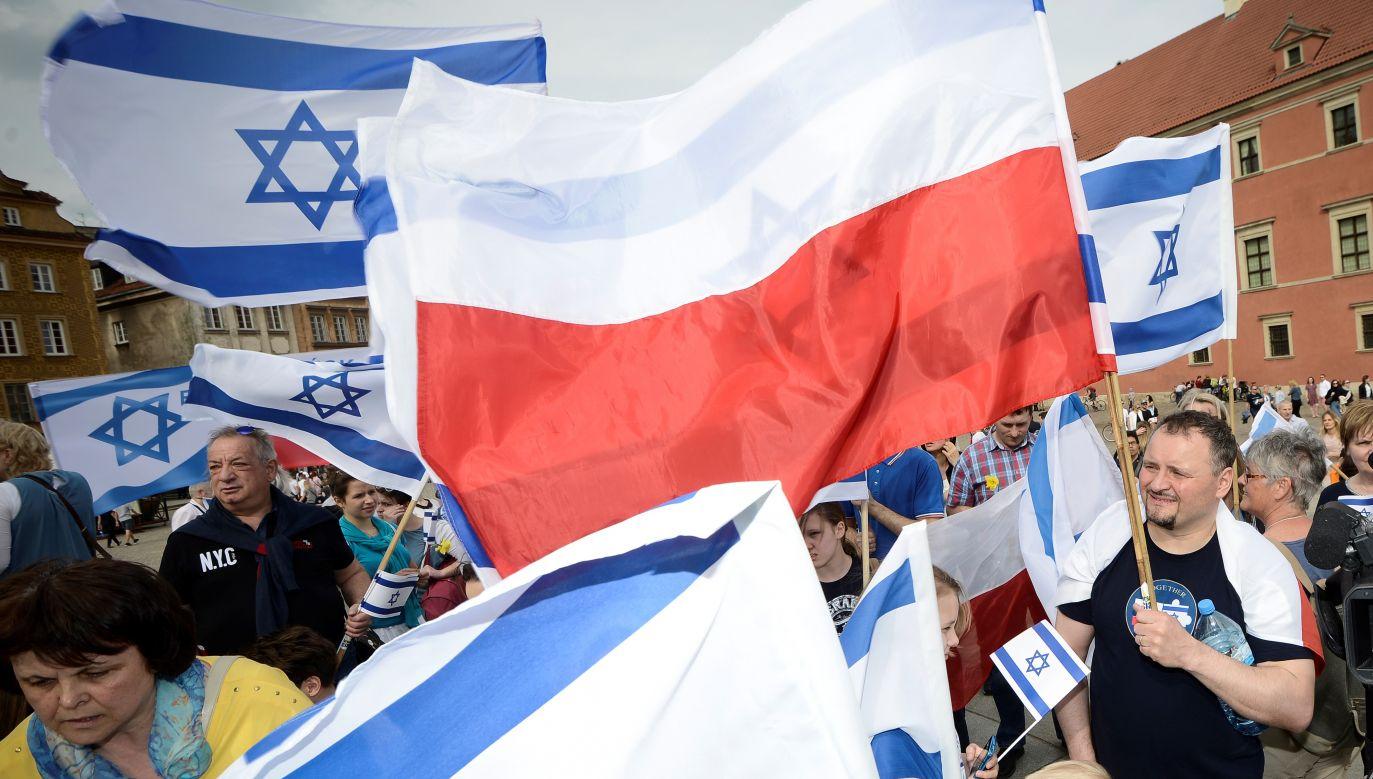 Polscy i izraelscy uczestnicy Marszuy Życia na Placu Zamkowym w Warszawie, 15 kwietnia 2018. Fot. Jaap Arriens/NurPhoto via Getty Images