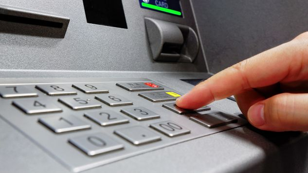 Klawiatura bankomatu (fot. Shutterstock/cozyta)
