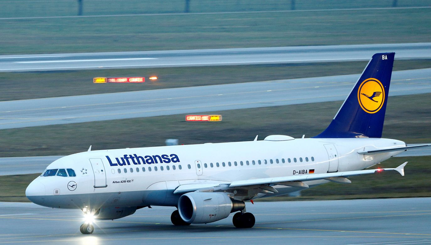 Decyzję o lądowaniu podjęto z powodu nietypowego zapachu w kabinie – podała Lufthansa. (fot. REUTERS/Michaela Rehle)