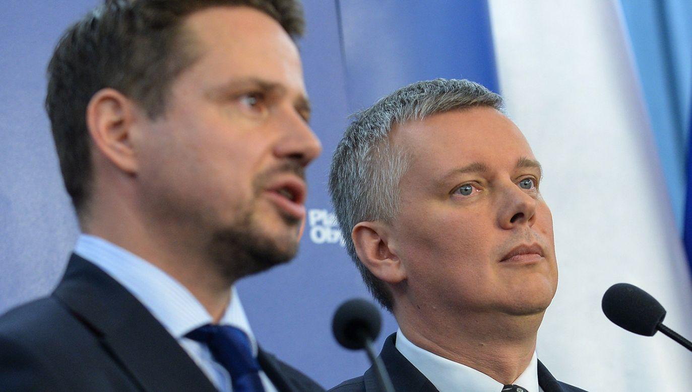 Rafał Trzaskowski, Tomasz Siemoniak (fot. arch.PAP/Marcin Obara)