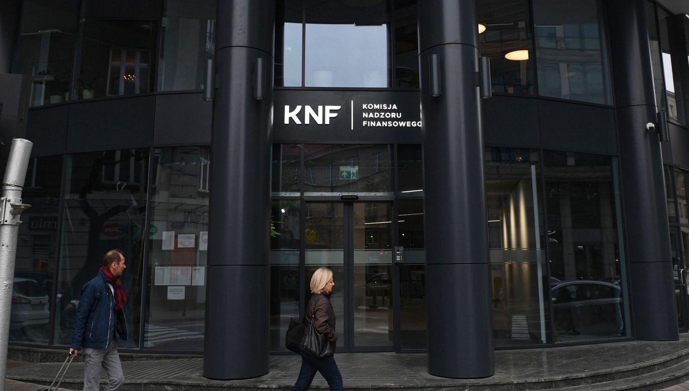 Siedziba Komisji Nadzoru Finansowego (fot. PAP/Radek Pietruszka)