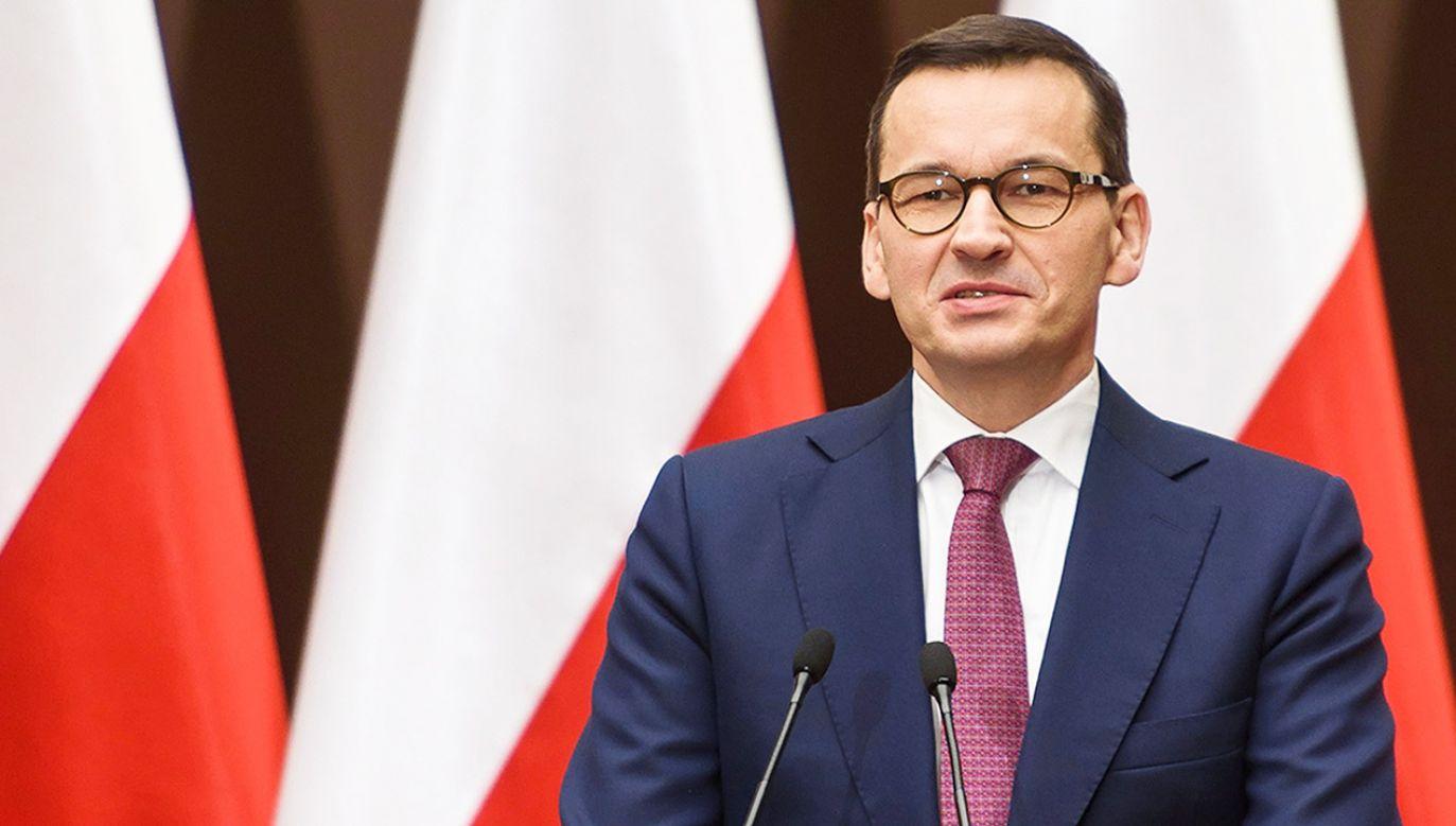 """Premier Morawiecki gościem programu """"Kwadrans polityczny"""" (fot. PAP/Paweł Topolski)"""