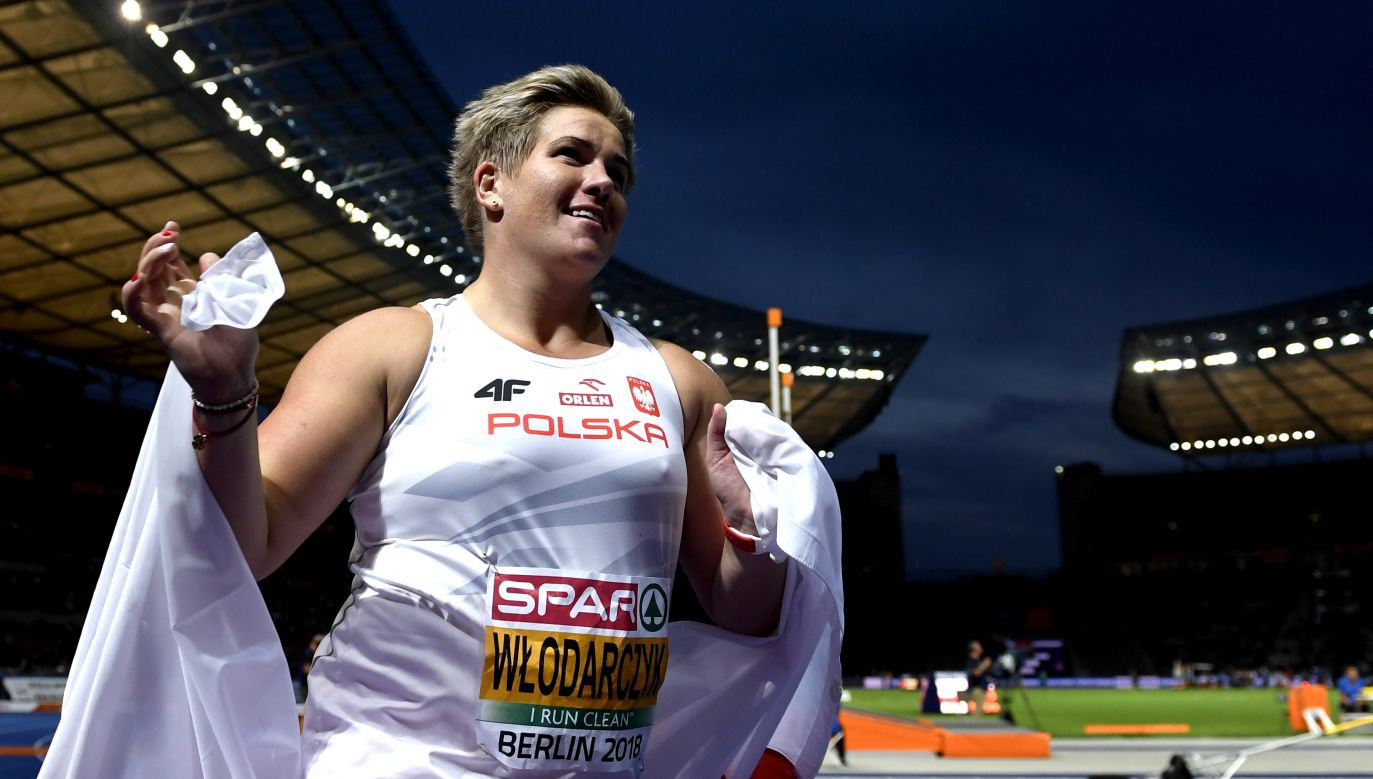 Anita Włodarczyk celebrates after winning the gold medal in women's hammer throw. Photo: PAP/EPA/FILIP SINGER