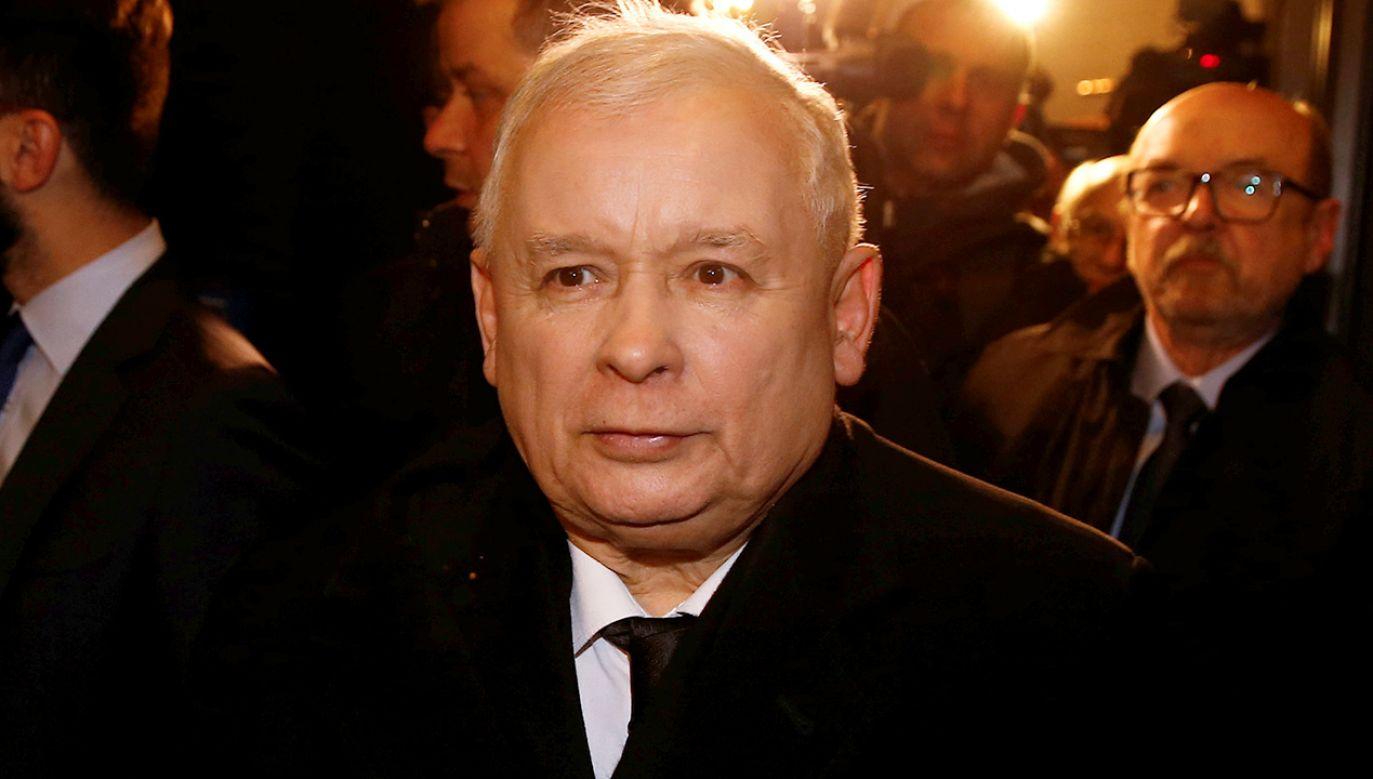 Lider PiS Jarosław Kaczyński ma problem z kolanem (fot. REUTERS/Kacper Pempel)