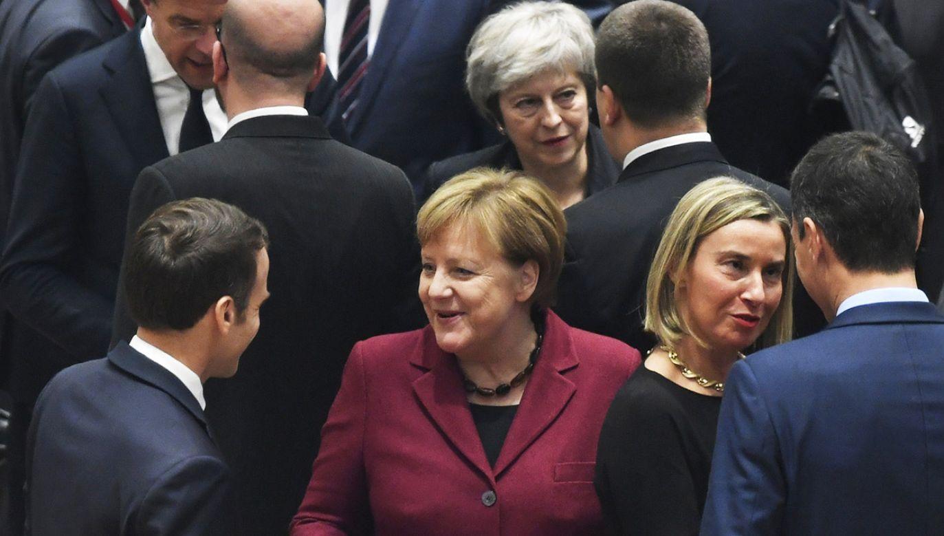 Europejscy przywódcy rozmawiają o tym, jak pomóc w przyjęciu umowy brexitowej w brytyjskim parlamencie (fot. PAP/EPA/Piroschka van de Wouw / POOL)