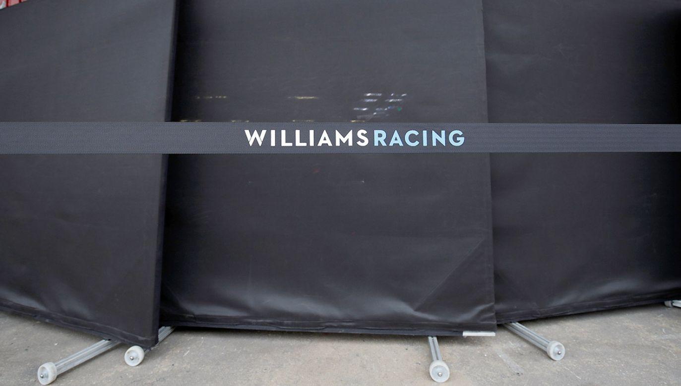 Pusty garaż Williamsa w Barcelonie (fot. REUTERS/Albert Gea)