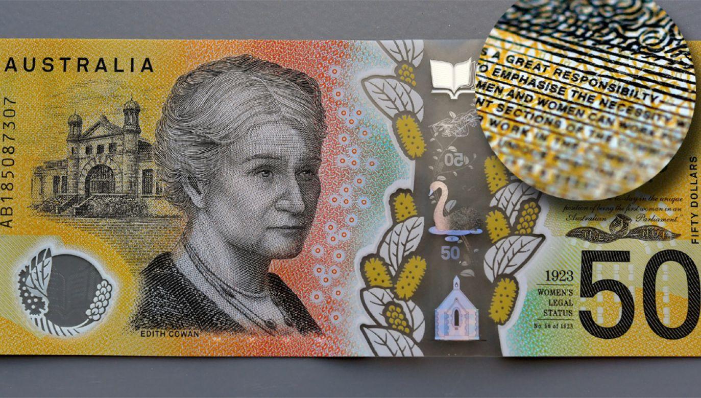 Zdecydowano, że banknoty z literówką pozostaną w obiegu (fot. PAP/EPA/DYLAN COKER)