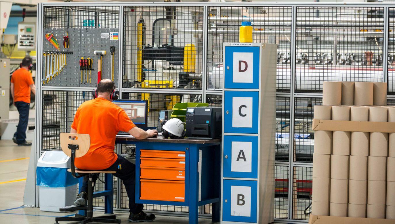 Firma Plastica Sp. z o.o. z Pomorskiej Specjalnej Strefy Ekonomicznej (fot. PAP/Tytus Żmijewski)